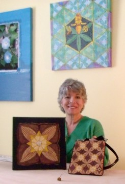 Debra Cortese photo with art and handbag